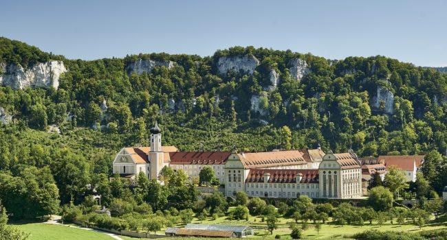 monastery-2899413_1920
